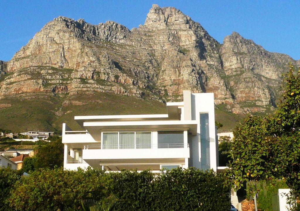 Aquatic Villa Exterior (2)