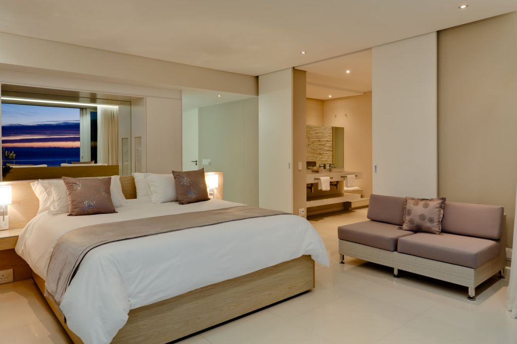 Bedroom 1 Evening (2)