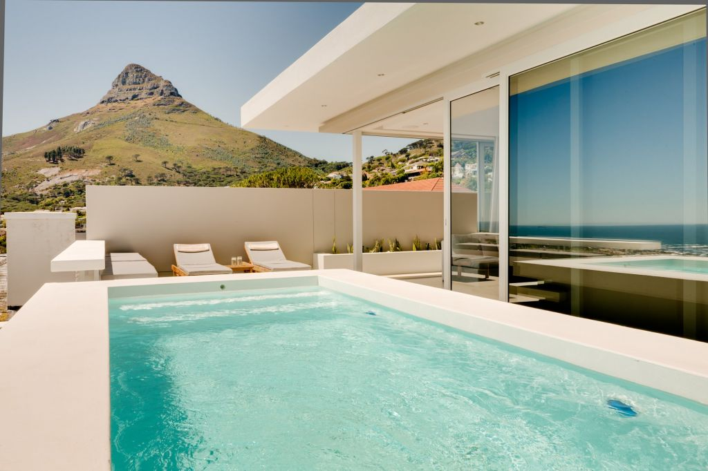Penthouse Pool (2)