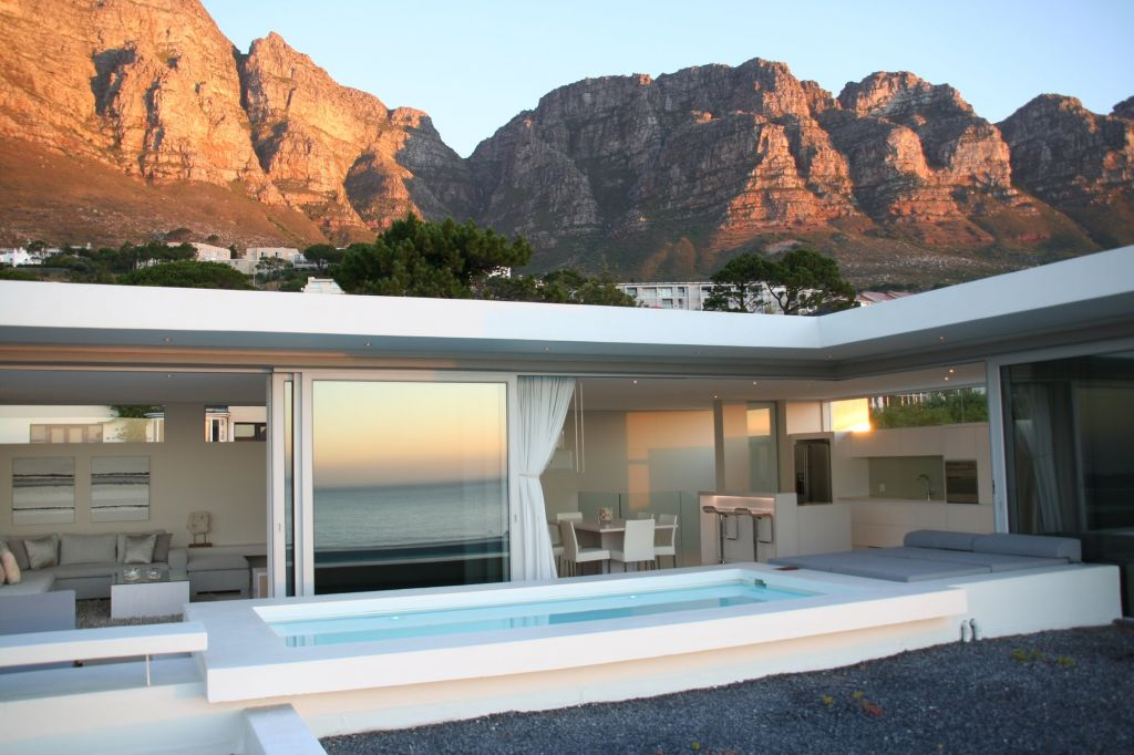 Penthouse with Mountains (3)