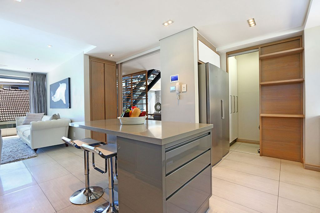 12 Kitchen2
