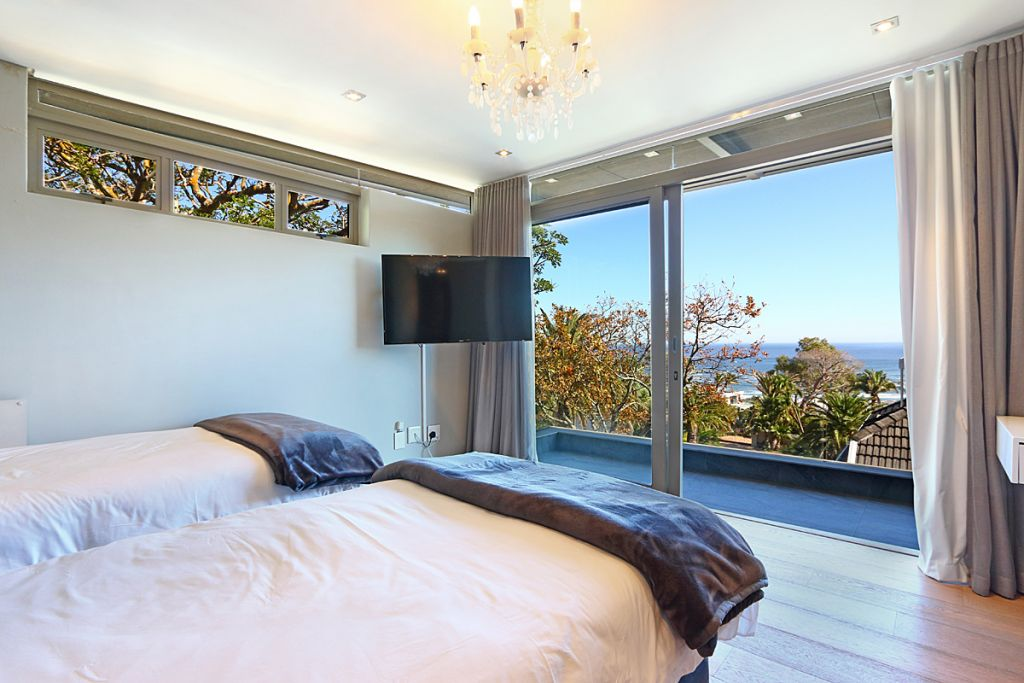21 Bedroom2 towards balcony