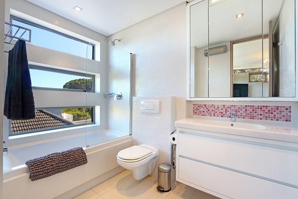 22 Bedroom2 ensuite bathroom