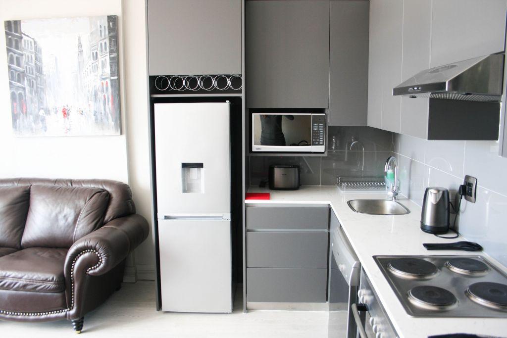 4 Kitchen1