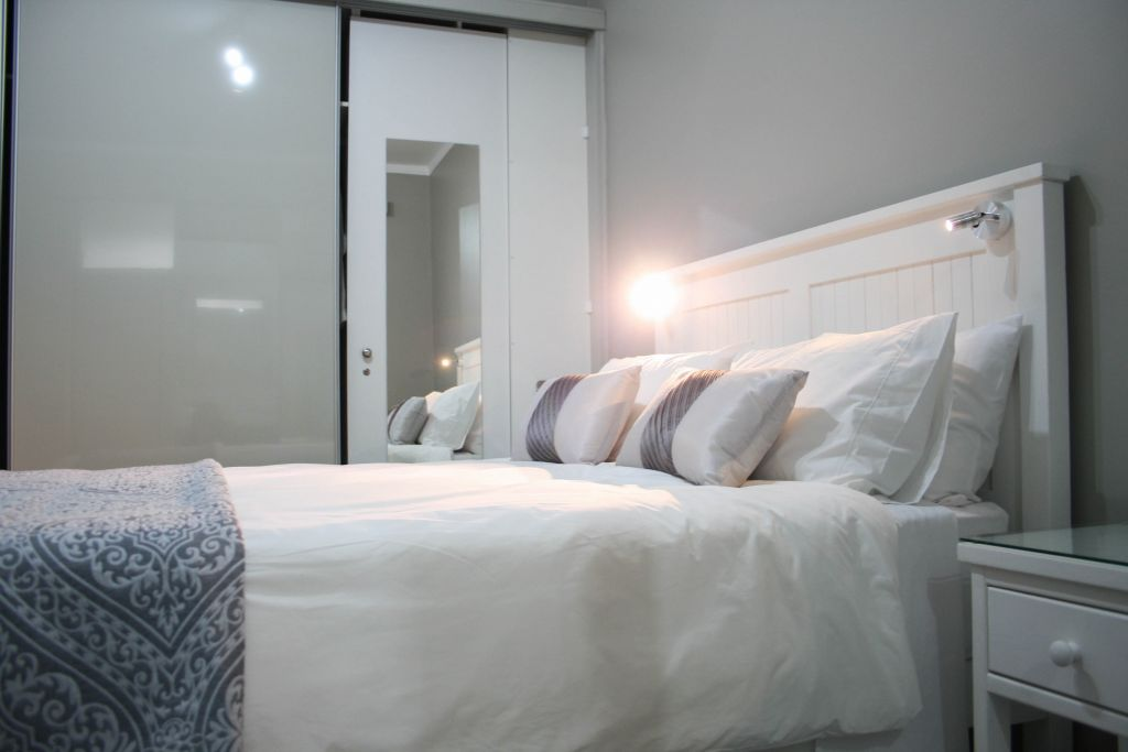 8 Bedroom2